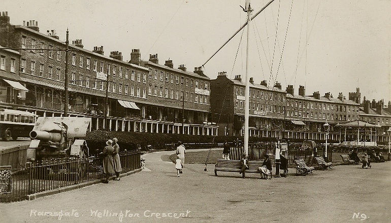 Wellington Crescent 1920s