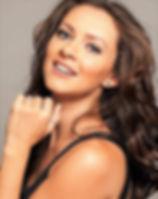 Adriana Fernandes headshot.jpg