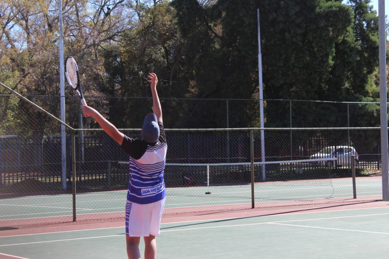 Tennis 18.jpg