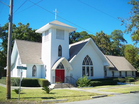 1200px-Lynn_Haven_FL_1st_Presby_Church01