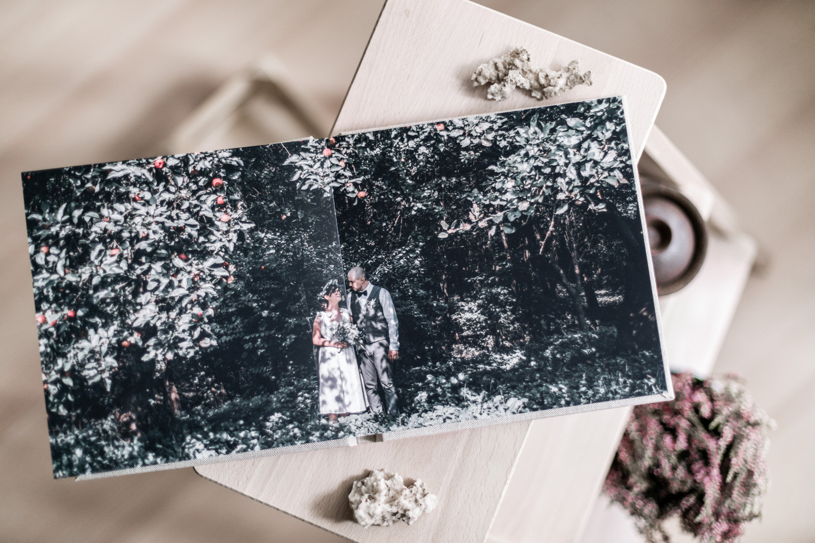 Darab_Zsuzsa_XYZ_weddings_book_001.jpg
