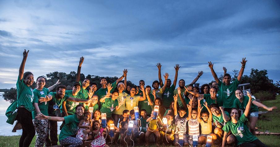 litro-de-luz-brasil-transparencia.png