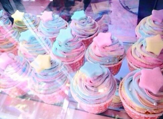 Colorfully yummy cupcake design