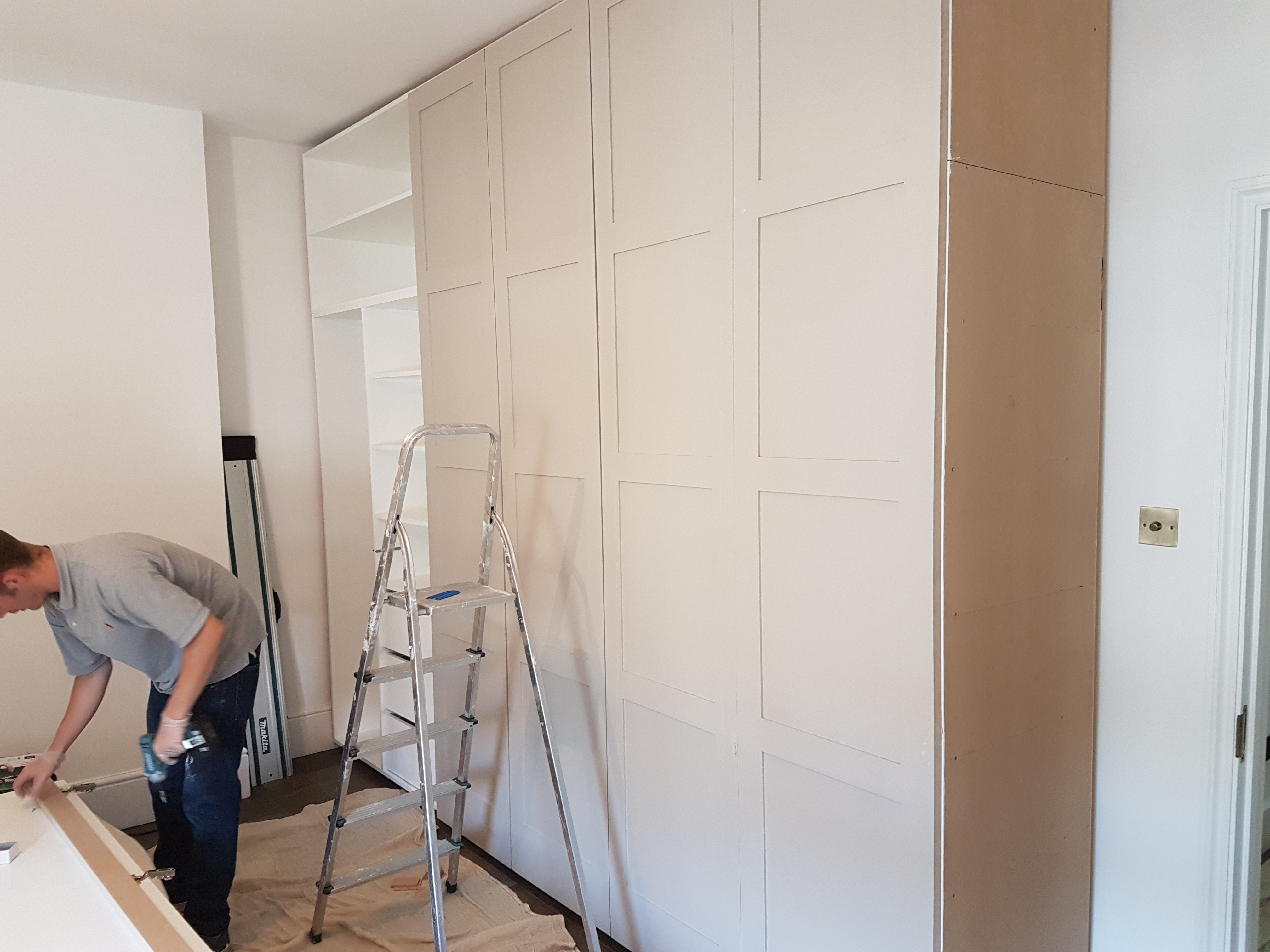 FEATURE FOUR PANELLED WARDROBE 18