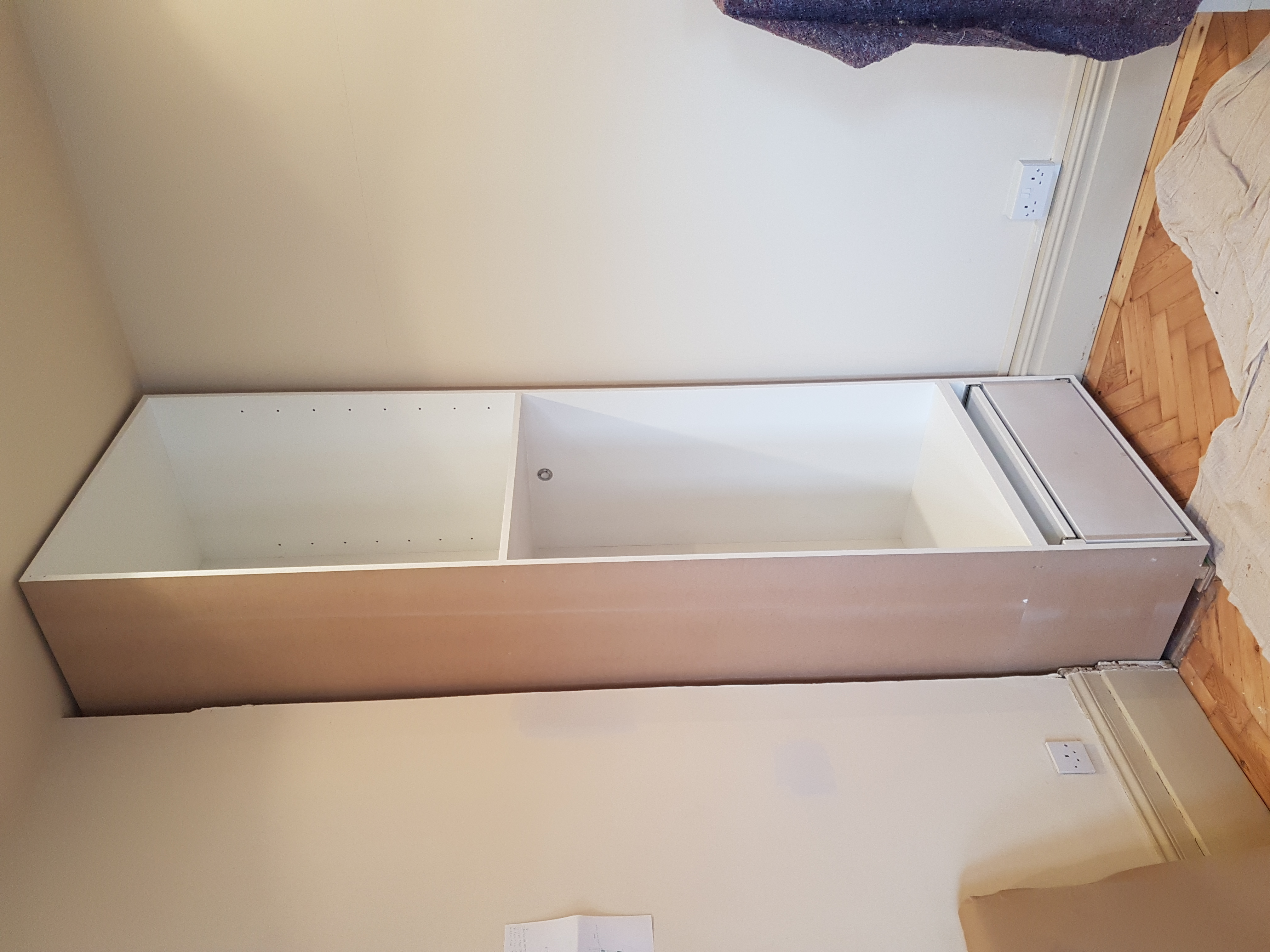 SPRAY FINISHED ALCOVE WARDROBES 5