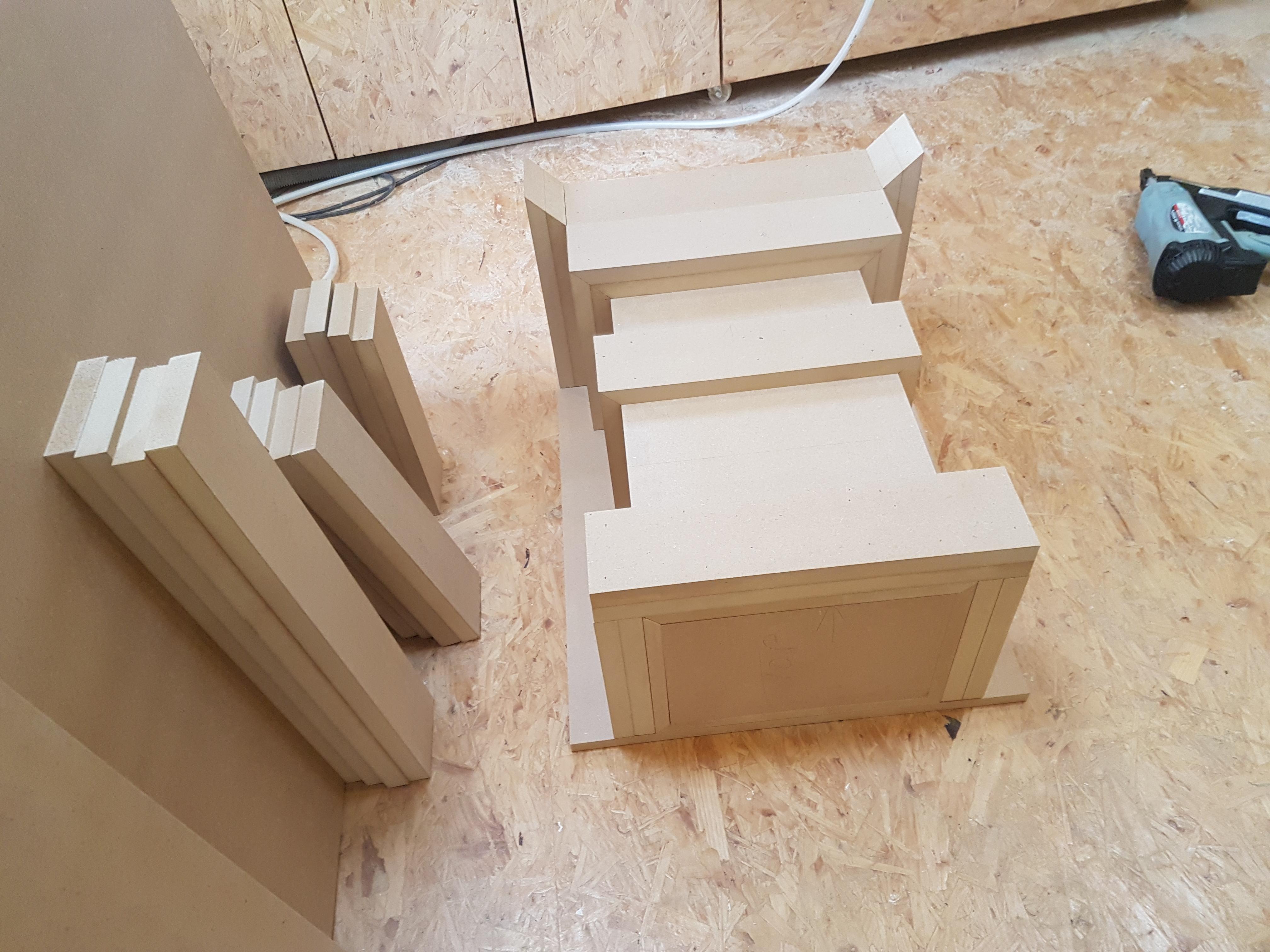 HANDBUILT ART DECO TABLE SET 4