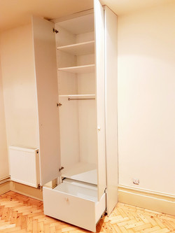 SPRAY FINISHED ALCOVE WARDROBES 7