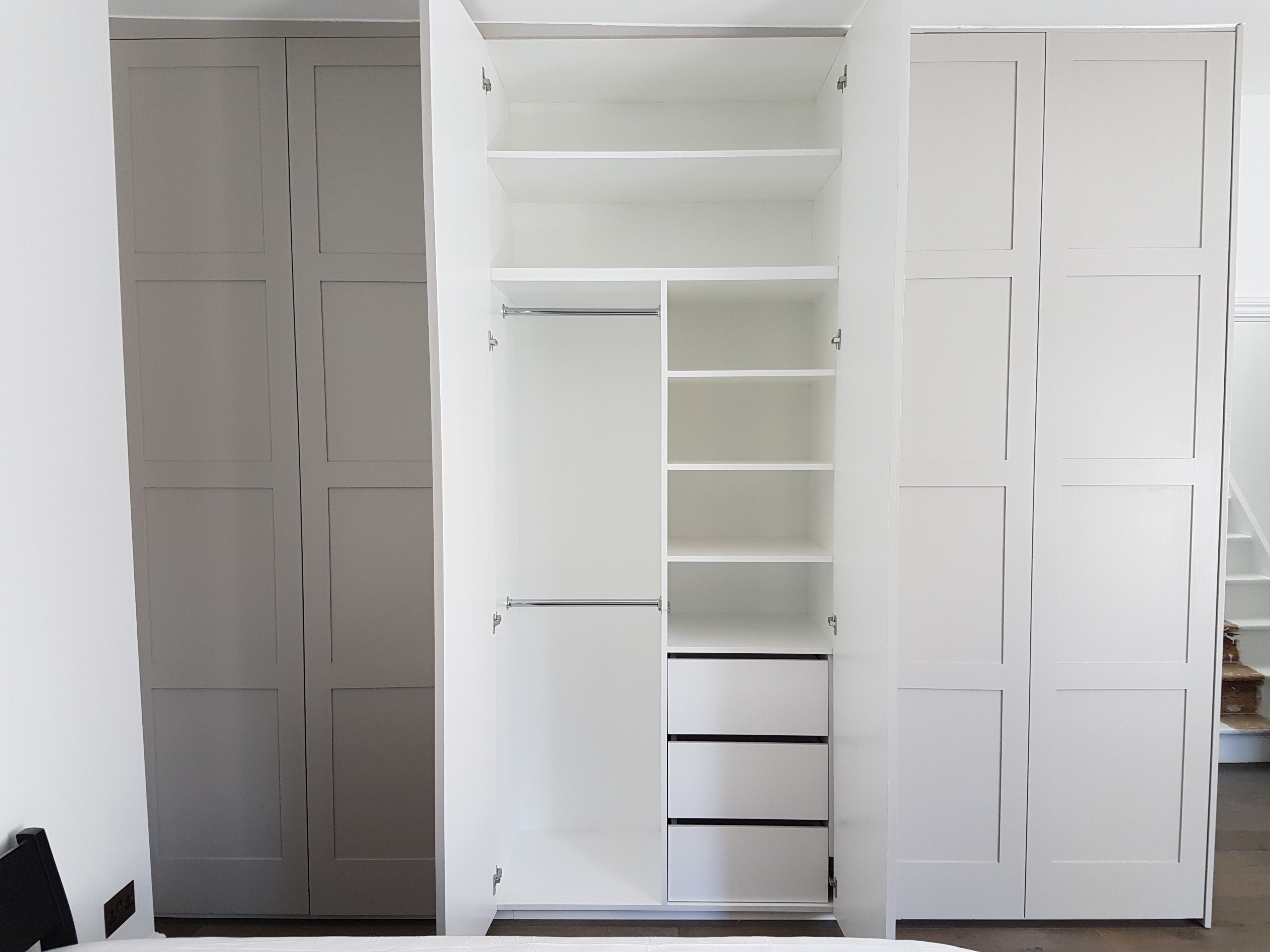 FEATURE FOUR PANELLED WARDROBE