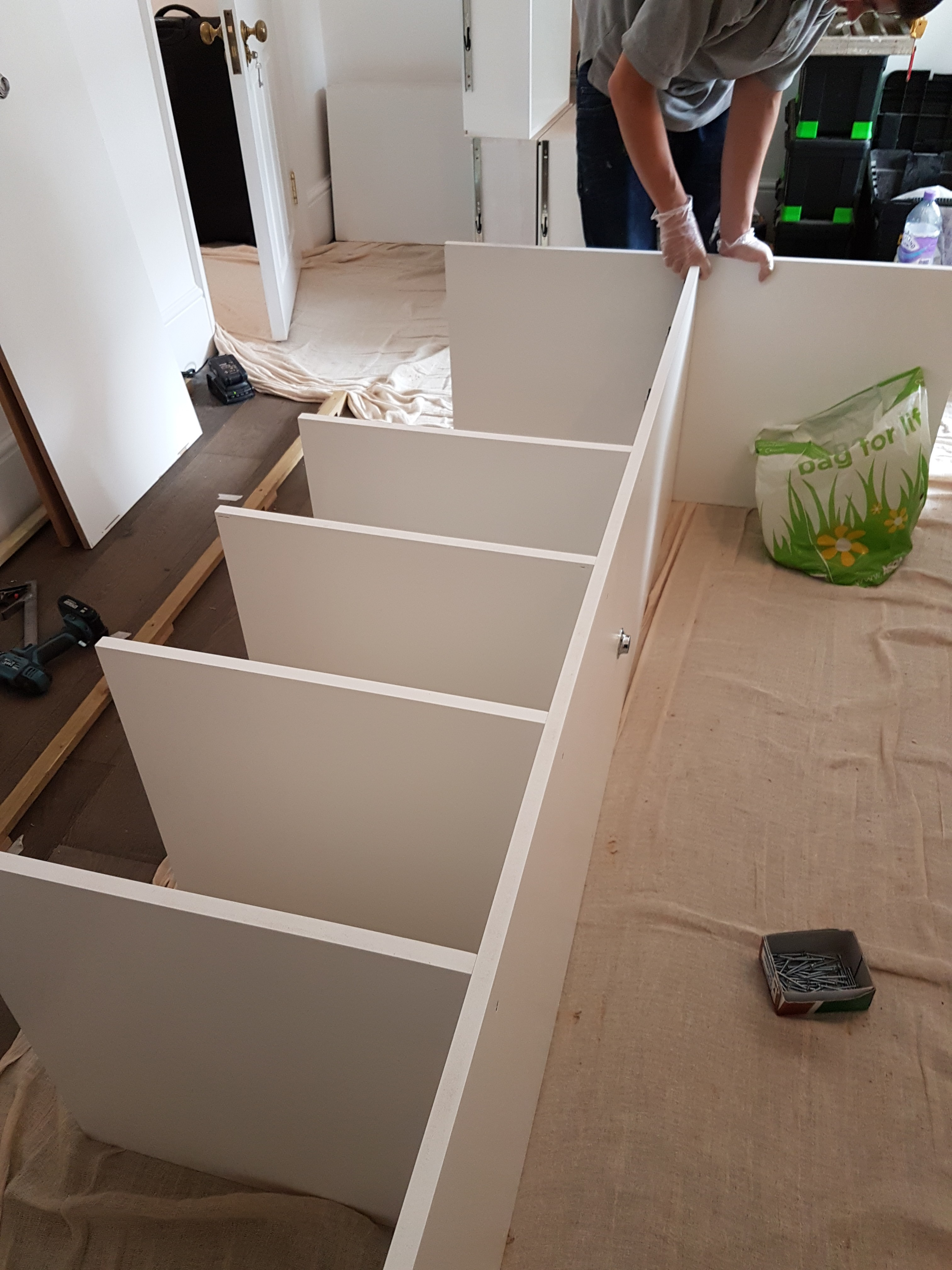 FEATURE FOUR PANELLED WARDROBE 10