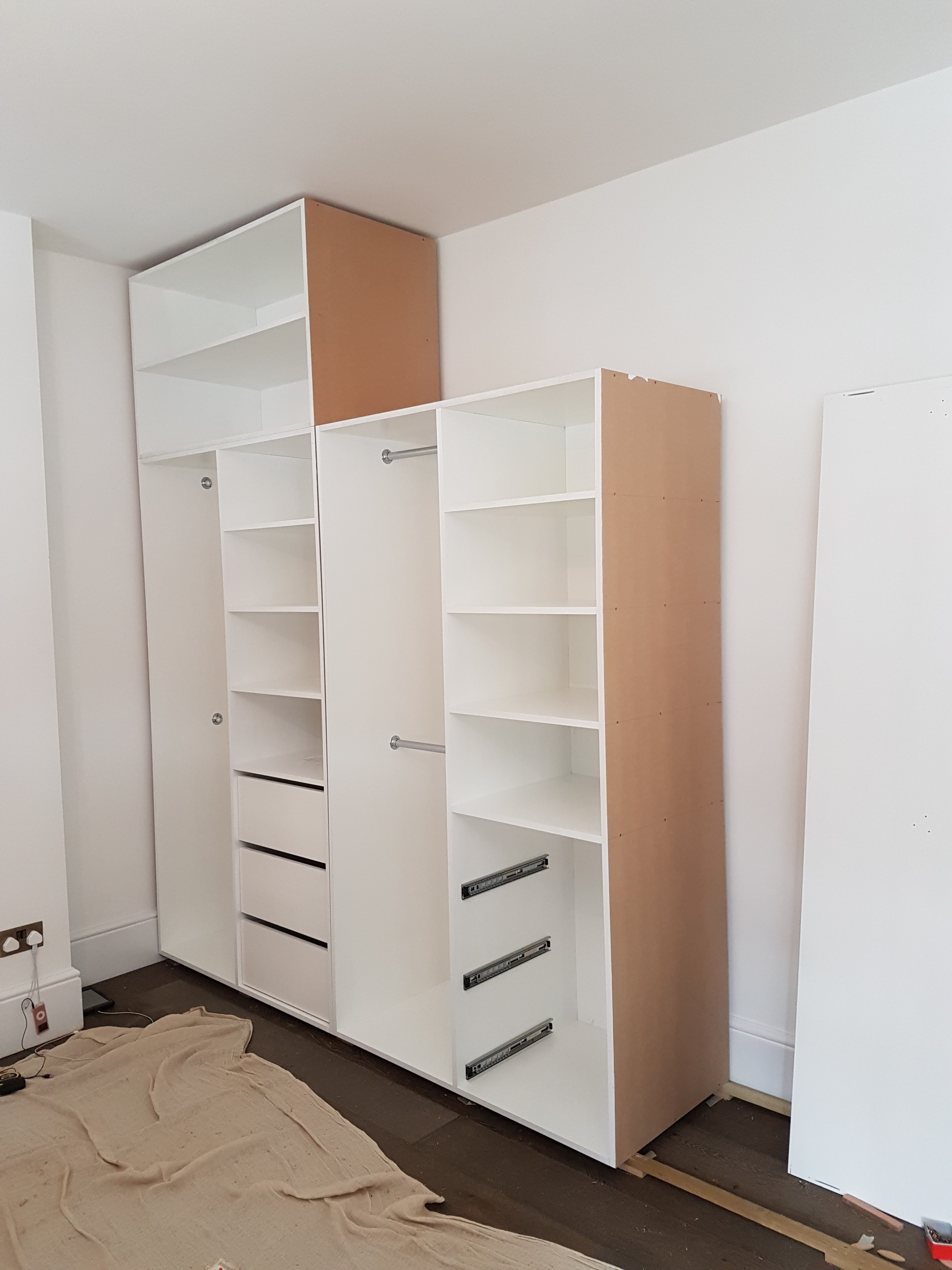 FEATURE FOUR PANELLED WARDROBE 13