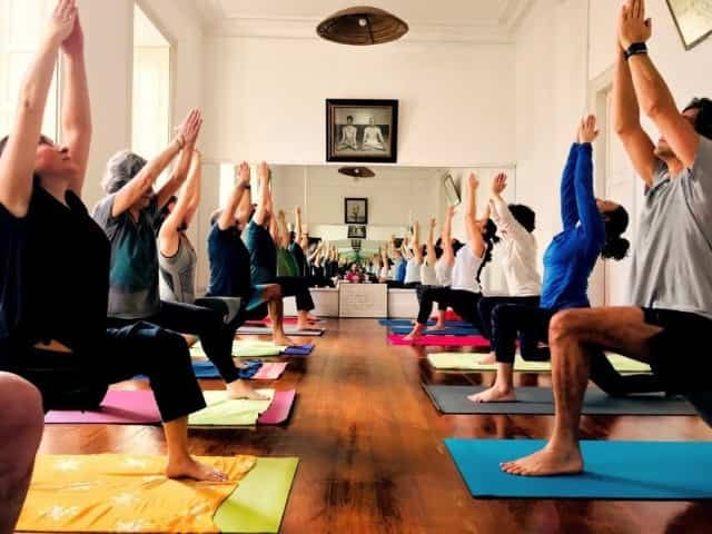 Clase Yoga Integral