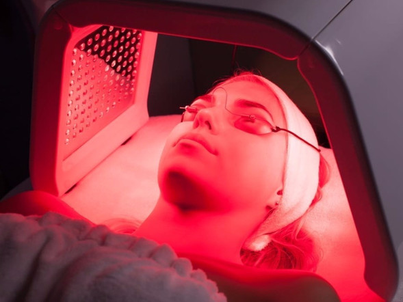 led-light-therapy-risks-the-sunday-edit_edited_edited.jpg
