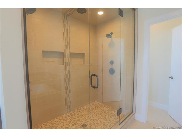 Master En Suite Steam Shower