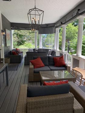 Hillhurst Deck Patio