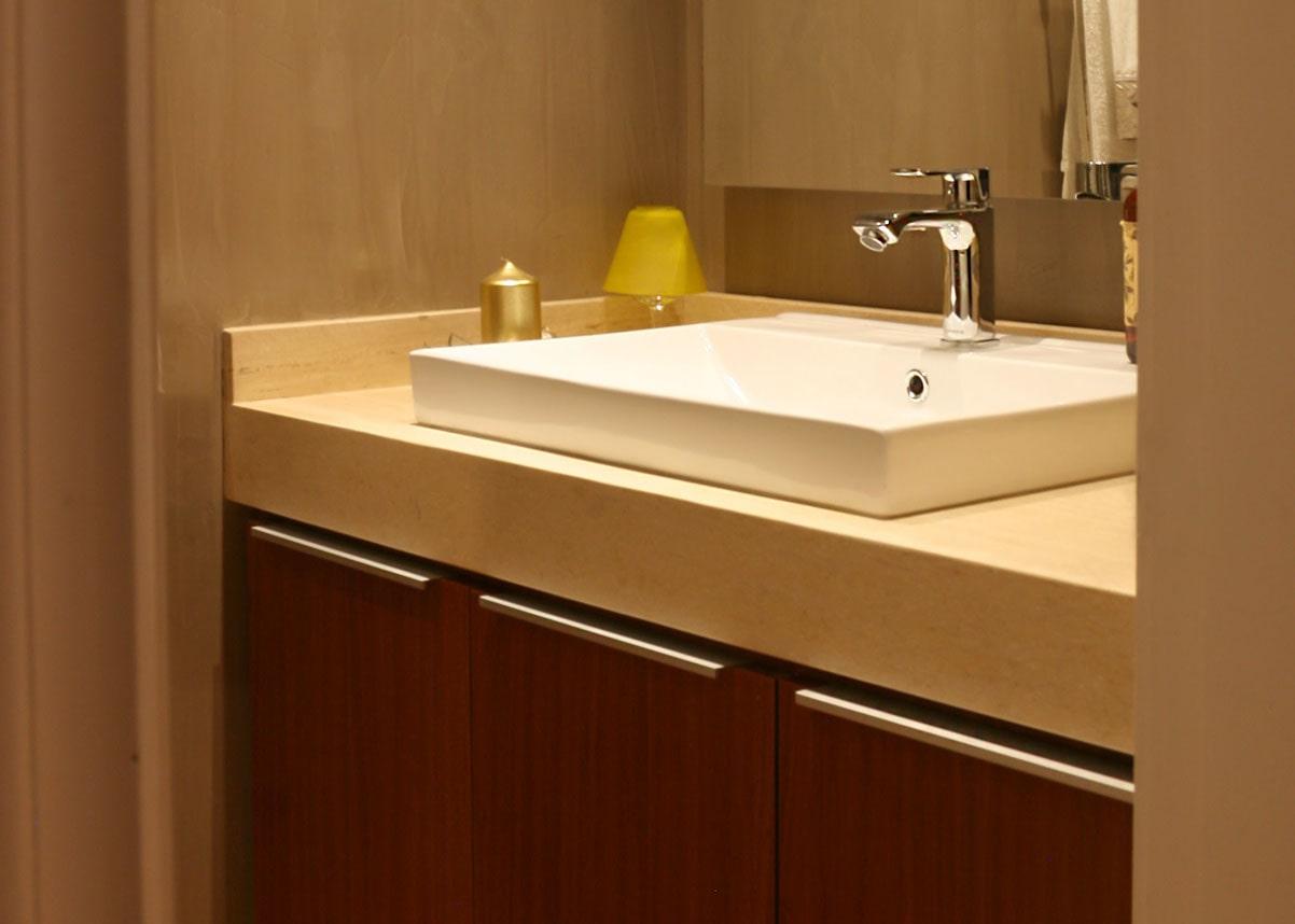 Baño con lavamanos de sobreponer