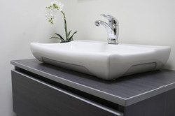 Baño con lavamanos tipo vessel