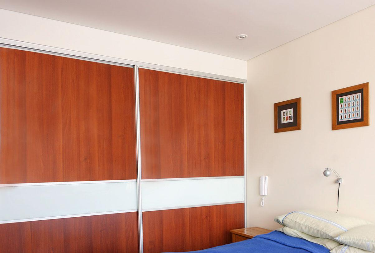 Closet con puerta corredera