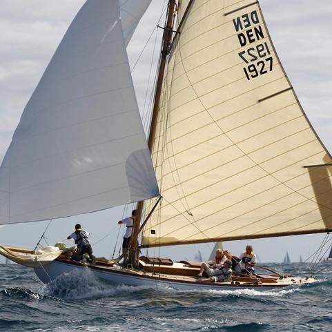Classic Sailing Charter