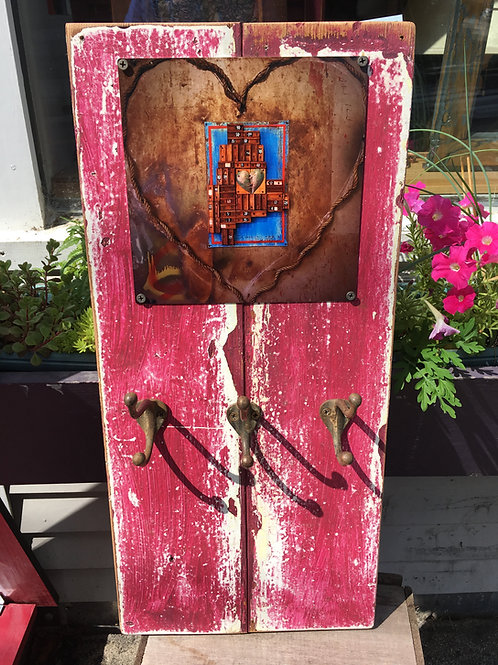 Distressed rustic jewelry organizer
