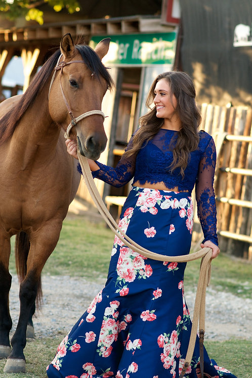 AUTOGRAPHED Summer Franklin 8x10 Photo (Blue Outfit with Horse)