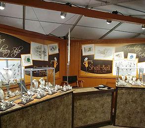Beautiful trade show booth lighting