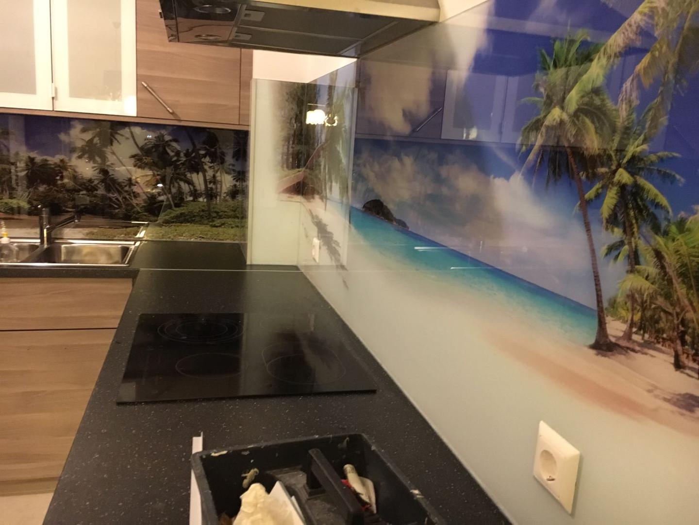 Küchenrückwand aus Glas