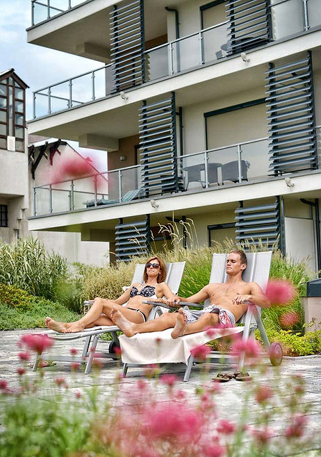 eger_imola_hotel_platan_open_air_desig.j
