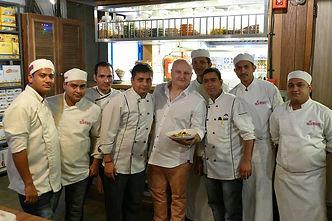 Tomasz Szczepanik podczas pokazu kulinarnego, New Delhi, Indie.