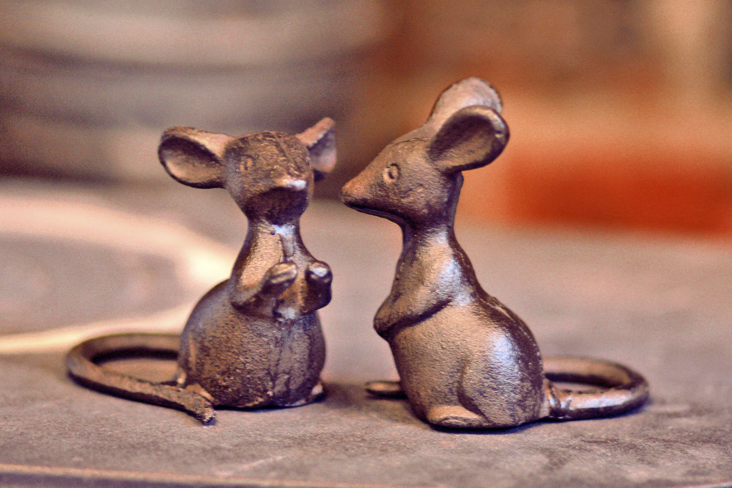 Talking & Listening Iron Mice