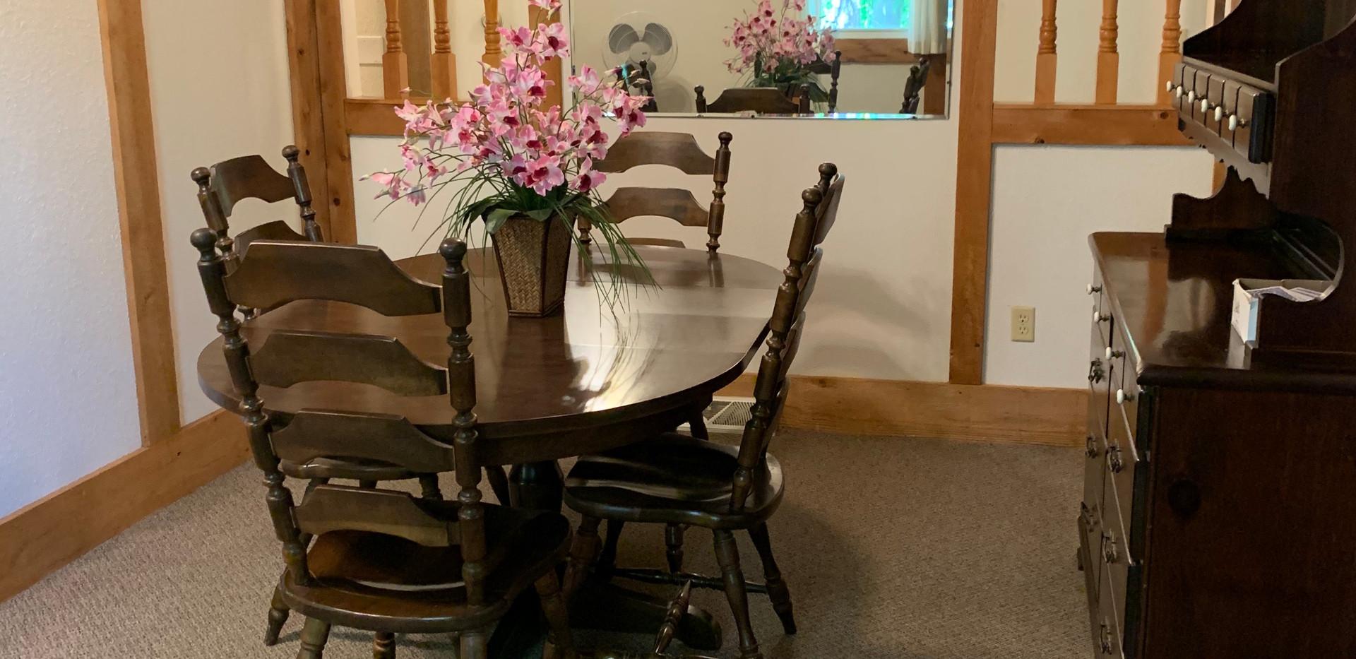 Dining Room 108.jpg