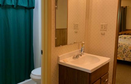 King Bathroom.jpg