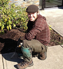 landscaping company Victoria BC, maintenance gardening crew, experienced gardener with organic practices.