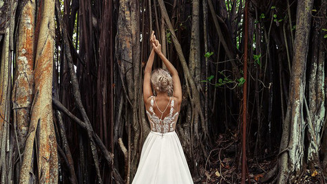 To tie a knot in the banyan tree and wish for love and happiness