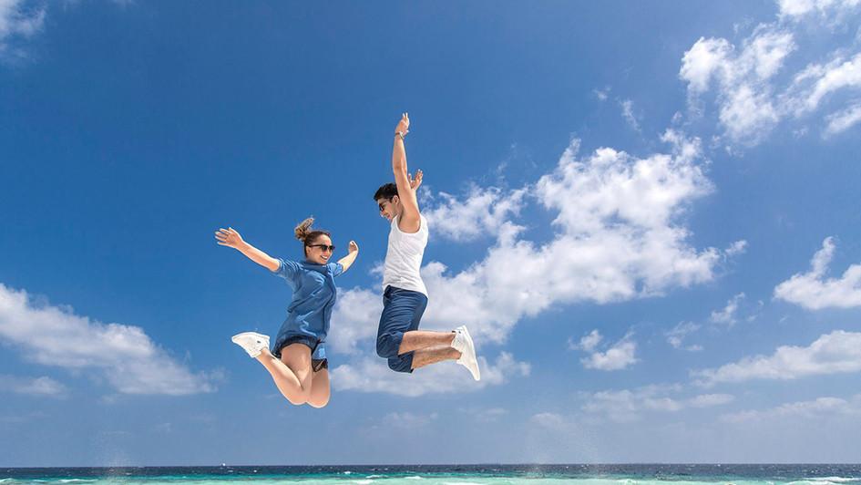 Jump up high n feel the air