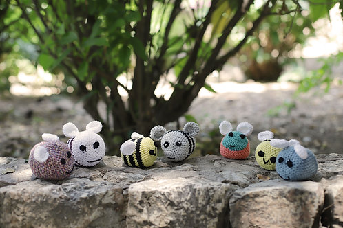 Little Crochet Bees