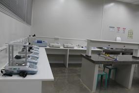 Laboratório Química e Bioquímica.JPG