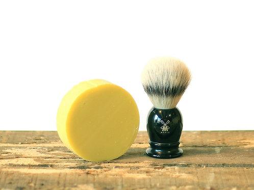 Blaireau en résine noire MUHLE avec savon de rasage