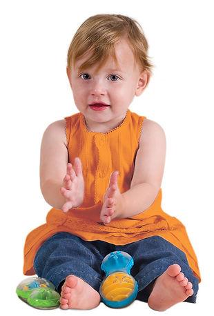 צילום תינוקות עם כלי נגינה חלילית סטודיו משק 8