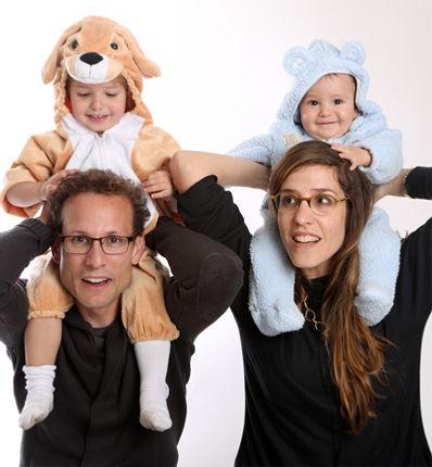 צילום משפחה בסטודיו משק 8