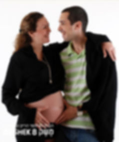 צילום הריון עם בן זוג בסטודיו משק 8
