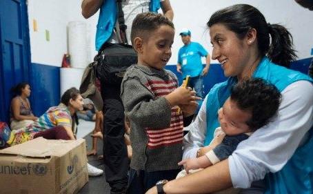 """Papa enaltece """"mulheres corajosas"""" que prestam assistência humanitária"""