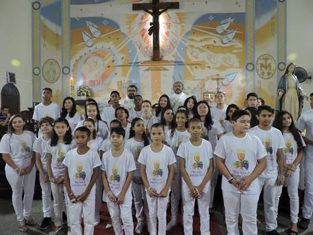 Primeira Comunhão na comunidade Nossa Senhora das Graças, no bairro da Forquilha