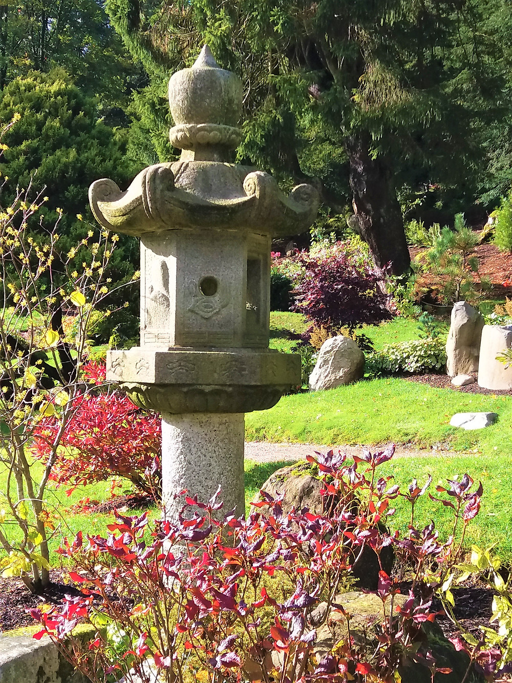 Kasuga Japanese Lantern, Japanese Garden, Cowden