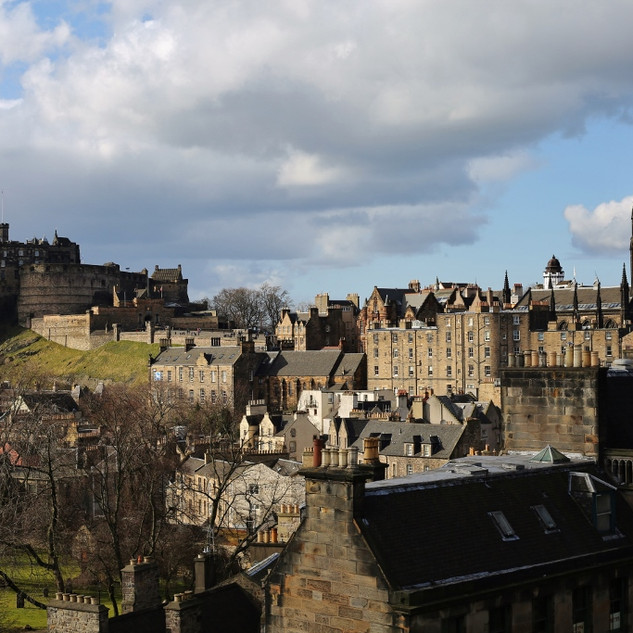 Edinburgh_Castle_from_National_Museum_of
