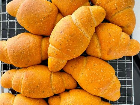 Sourdough Pomodoro Roll