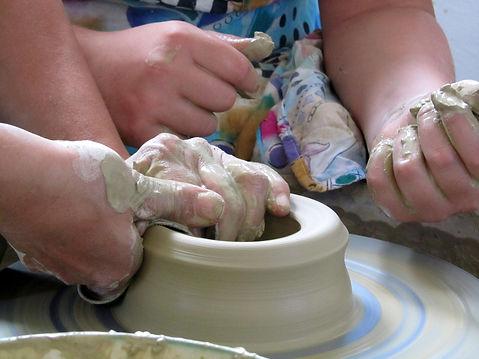 pottery-1956200_1920.jpg