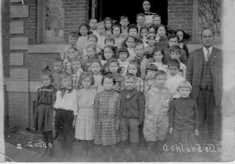 Ashland Students 1906.jpg