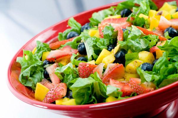 Salad trái cây vừa ngon miệng vừa tốt cho sức khỏe và cân nặng của bạn