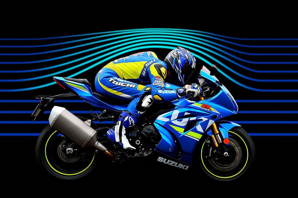 r1000-aerodinamica-desktop.jpg