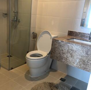bathroom1-2jpg